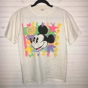 EPIC DISNEY SIZE LARGE MICKEY T-SHIRT IN NEON